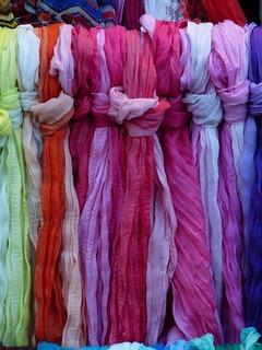 scarves-358005_640.jpg